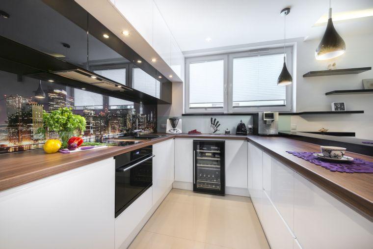 Jak wybrać okno do kuchni lub łazienki?