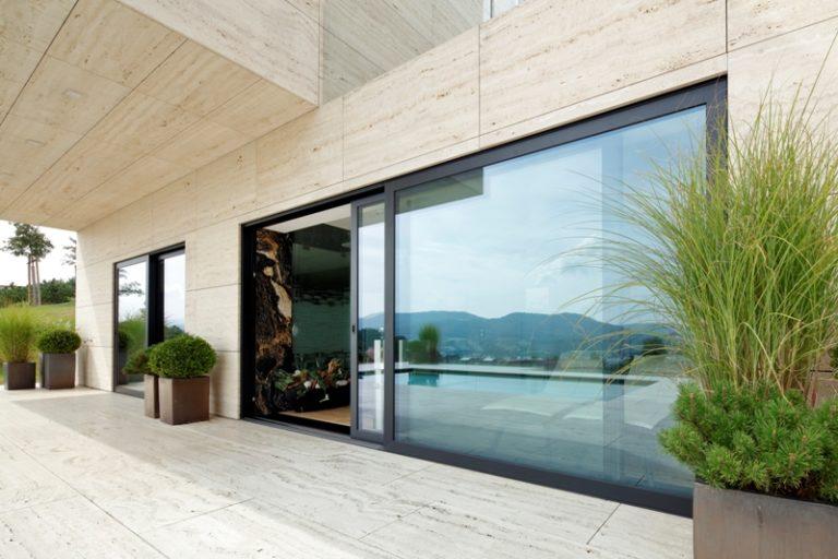 Nero Style by Awilux –  – poznaj bezgraniczną głębię ekskluzywnej czerni w nowych oknach Awilux